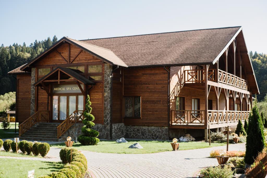 Готельно-відпочинковий комплекс  «ТАОР КАРПАТИ»